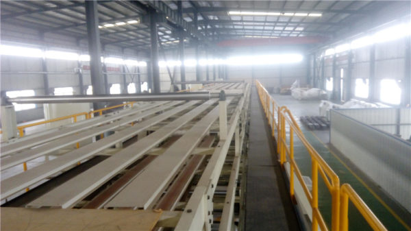 Corrugated sheet overhead bridge conveyor